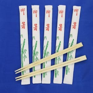 Twin bamboo chopsticks in white Env.3